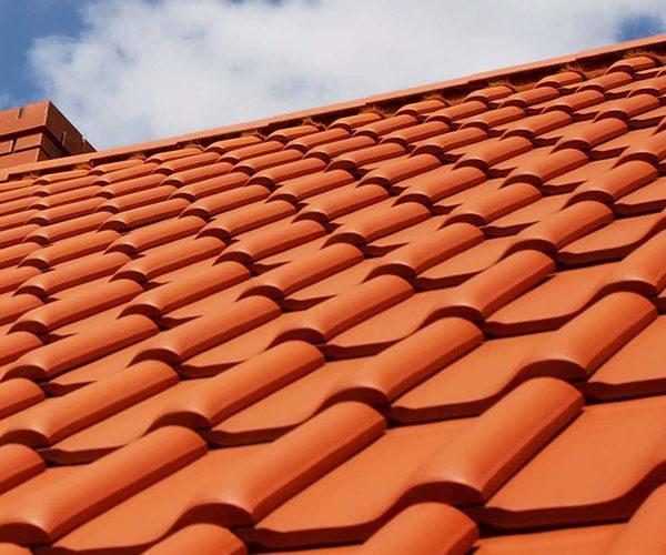 Монтаж керамической черепицы для крыши
